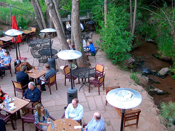 creekside-dining1